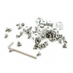 12 pieces of MakerBeam...